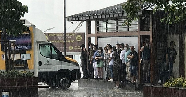 İstanbul'u kuvvetli dolu yağışı vurdu! İşte kareler