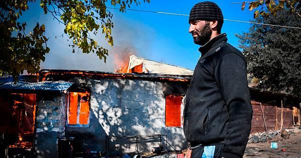 Ermeniler Yakarak, Yıkarak Karabağ'dan Çekiliyor