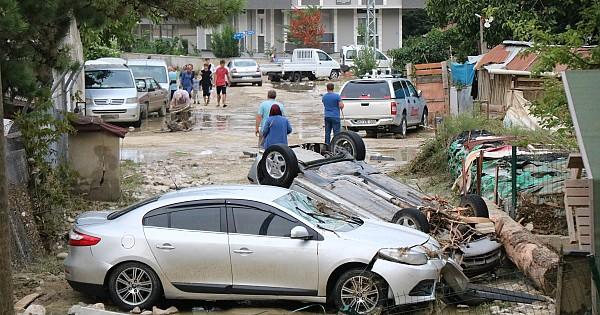 Ayancık'taki sel felaketi fotoğraf karelerine yansıdı