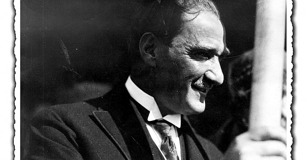"""""""Fotoğraflarla Atatürk ve Cumhuriyet"""""""