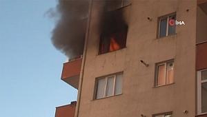 Beylikdüzü'nde 11 Katlı Apartmanda Yangın