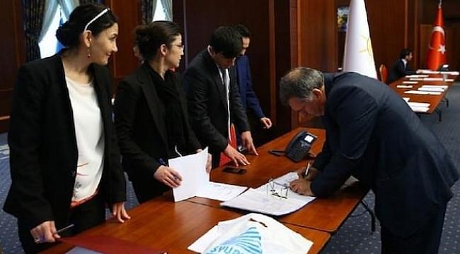 AK Parti'de Mesai Başladı: 40 Bin Kişi Masada