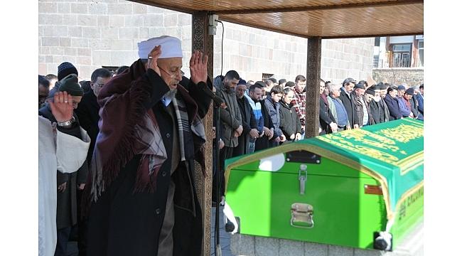 Bahaddin Akyüz Hoca dualarla uğurlandı