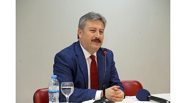 Başkan Palancıoğlu'ndan Baldöktülü öğrencilere öğütler