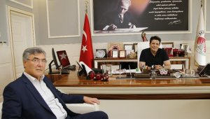 AK Parti Meclis Üyesi Mehmet Duman CHP'ye katıldı