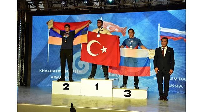 Bilek güreşinde Avrupa Şampiyonası'na Sancaktepe damgası
