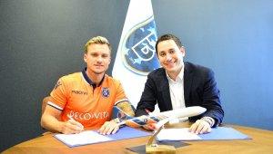 Başakşehir, Gulbrandsen ile 3 yıllık sözleşme imzaladı