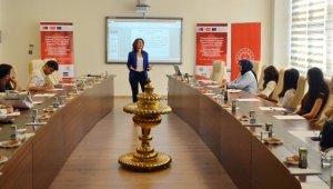 'Mültecide Ebeveyndir' AB projesi eğitmenlerle buluştu