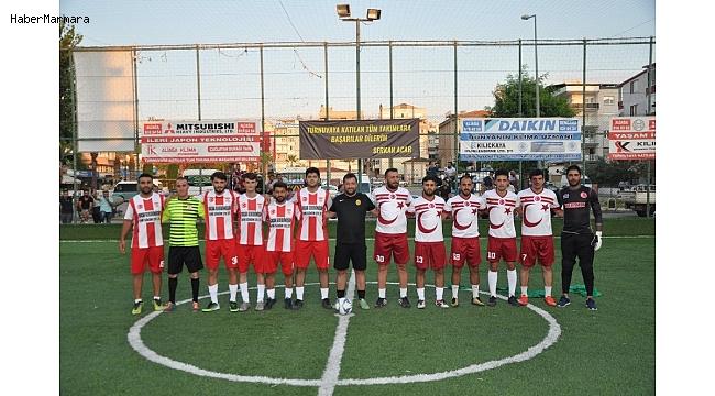 Aliağa'da gençlik turnuvası devam ediyor