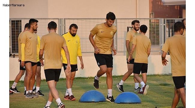 Aliağaspor FK hazırlıklarını sürdürüyor