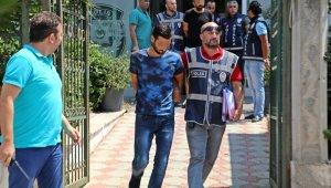 Antalya'da yaralama, iş yeri ve otomobil kurşunlama iddiasına 2 gözaltı
