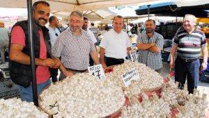 Başkan Aşgın'dan pazar gezisi
