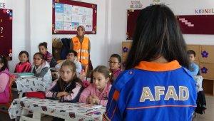 AFAD okullarda deprem çantasının önemini anlattı
