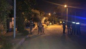 Alkollü şahsı mahallelinin linç girişiminden polis kurtardı