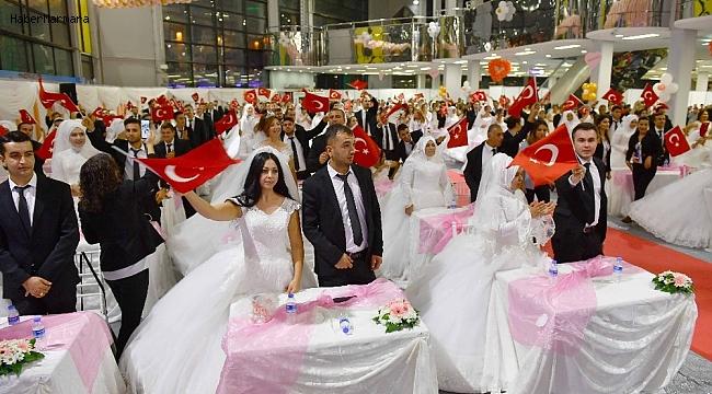 Ankara Büyükşehirden 219 çifte toplu nikah töreni