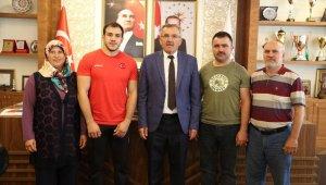 Başkan Aputkan Balkan şampiyonunu tebrik etti
