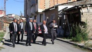 Başkan Pekmezci mahalle gezilerine devam ediyor