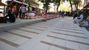 Başkent'in merkezinde yenileme çalışması hızla sürüyor