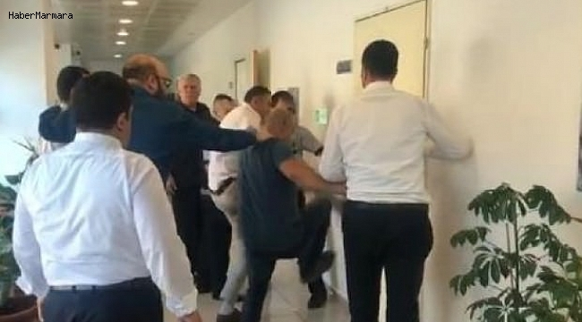 Belediye Başkan Yardımcısı Makam Odasında Rehin Alındı