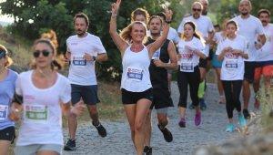 Bodrum yarı maratonu renkli görüntülere sahne oldu