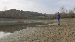 2 ayda suyu çekilen gölet, çiftçilerin korkulu rüyası oldu
