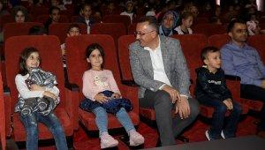 'Nasreddin Hoca ve Çılgın Eşek' isimli tiyatro OKM'de sergilendi