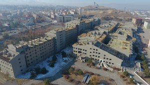 Atıl binanın yıkım sürecini Başkan Sekmen başlattı