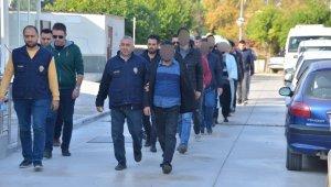 Barış Pınarı Harekatını karalayan 46 kişiye gözaltı