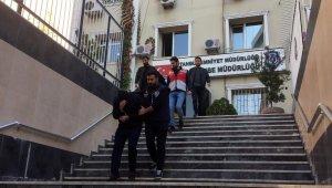 Beyoğlu'nda Faslı turistten 'Jet Ski' anahtarı ve para çalan şahıslar tutuklandı