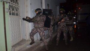 Bursa'da bin polisle şafak operasyonu, Özel Harekat kapıları böyle kırdı