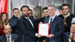 AK Parti Balıkesir İl Başkanı Ekrem Başaran oldu