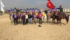 Atlı Cirit Şampiyonası'nda Uşaklı takımlardan büyük başarı