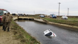 Ava giden genç avukatın aracı sulama kanalında bulundu
