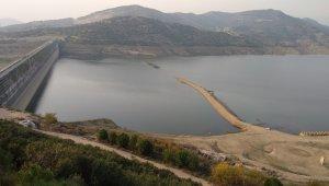 Beydağ Barajı'nın su seviyesi üreticiyi düşündürüyor