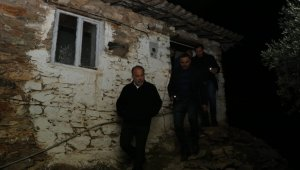 AK Partili Metin Yavuz evleri yanan ailenin yardımına koştu