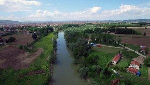 ASKİ'nin Atık Su Arıtma Tesisindeki arıza nedeniyle pis sular Sakarya Nehri'ne akıyor