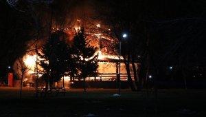 Bolu'da alev alev yanan kafeterya küle döndü