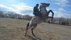 Erciyes'in eteklerinde cirit sporunu canlandırmak için çalışmalar başladı