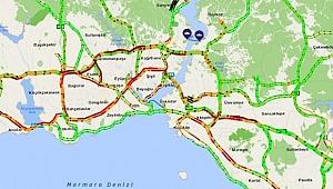 İstanbul'da Trafik Felç! Yoğunluk Yüzde 63'ü Buldu!
