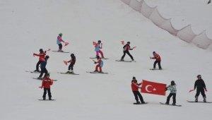 Murat Dağı'nda hem kayak hem hamam keyfi