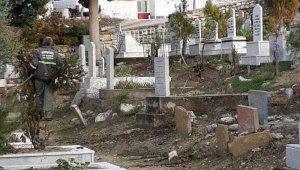 Mut'ta mezarlıklarda temizlik ve onarım çalışmaları
