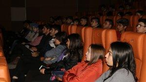 Sarıkamış'ın ayak sesi 'Beyaz Hüzün' filminde 600 gençle buluştu