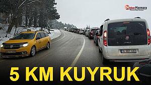 Tatilci Akını: 5 Kilometre Araç Kuyruğu Oluştu