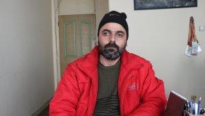 2,5 yıldır sokaklarda yaşayan adam yetkililerden yardım bekliyor