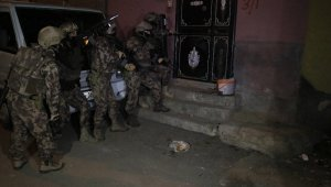 Adana'da sosyal medyada terör operasyonu: 11 gözaltı kararı