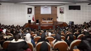 Atatürk Üniversitesinde internet gazeteciliği konuşuldu