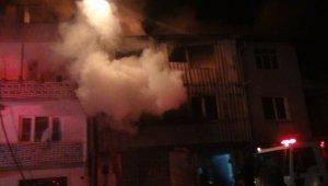 Bursa'da 3 katlı geri dönüşüm fabrikasında büyük yangın