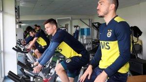 Fenerbahçe'de ara vermeden Antalyaspor hazırlıklarına başladı