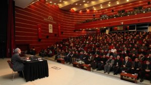 GKM'de Ahmet Doğan'ın sohbetine yoğun ilgi