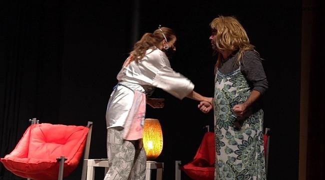 Hanım&Efendi oyunu Marmaris'te beğeni topladı